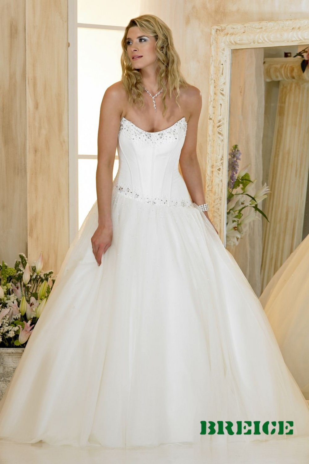 Custom made A-line strapless wedding dresses bridal gown AD001