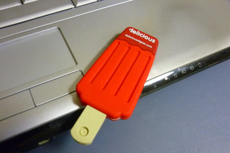 4GB CUTE ICE CREAM Flash Memory Stick Thumb Drive