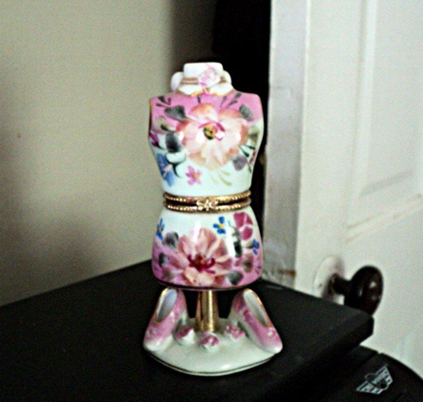 Pink Floral Porcelain Dress Form Jewelry/Trinket Box Formalities Baum Bros #00069