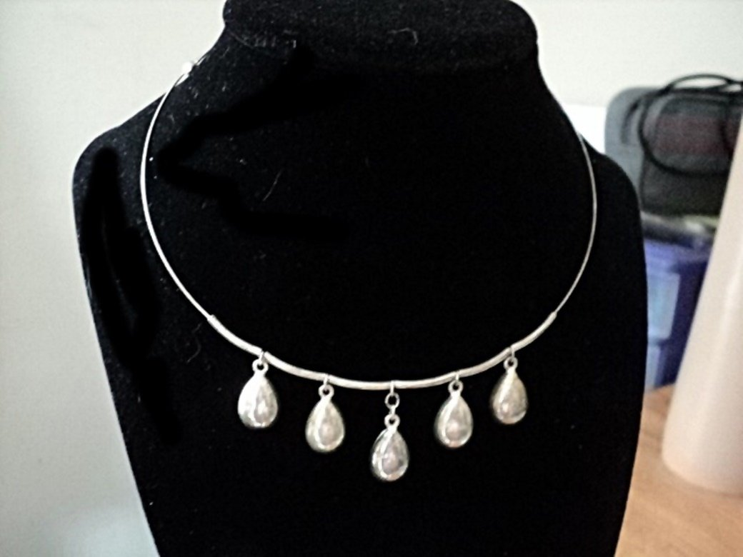 Silver Wire Choker with Five Silver Pendants Necklace #00162