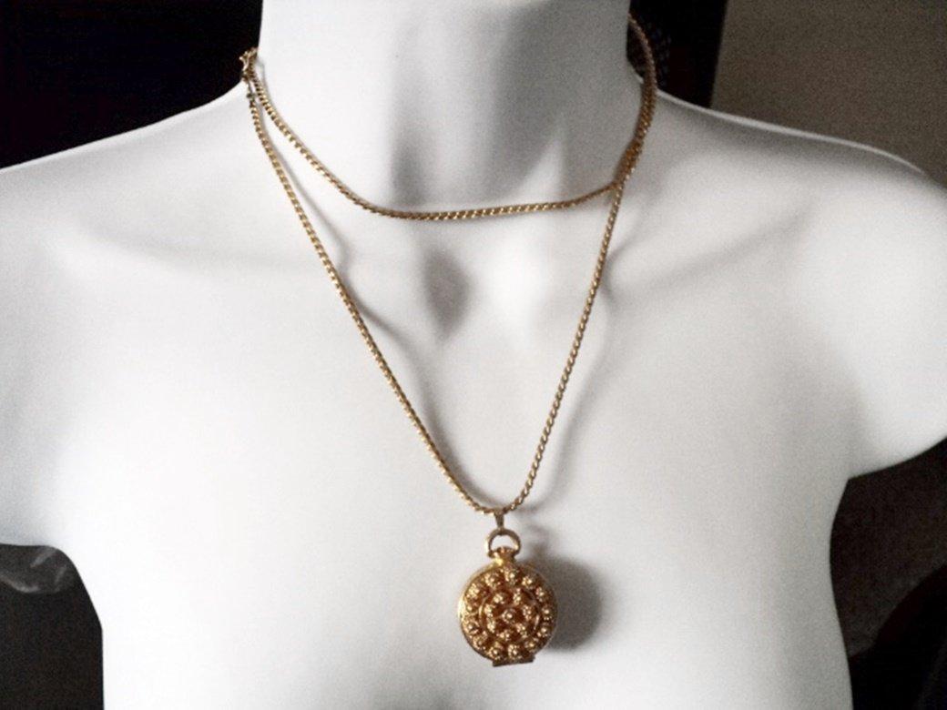 "18"" Bright Gold Tone Elegant Ornate Designed Pendant Locket Necklace #00027"