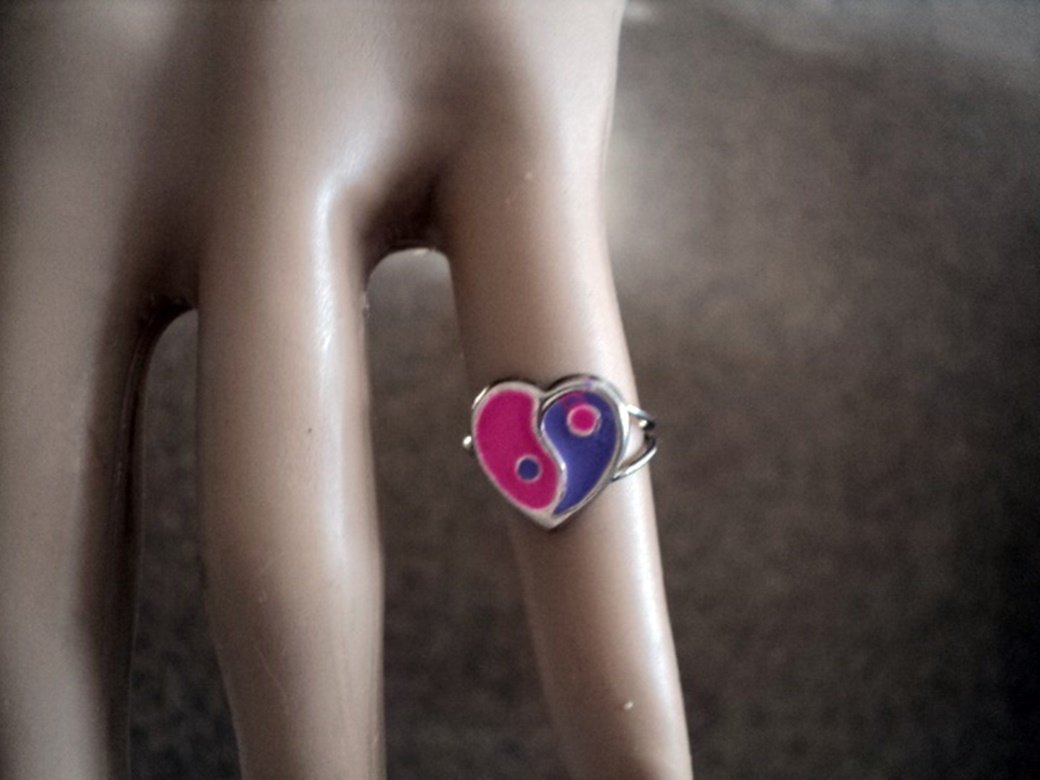 Size 3 Pink and Purple Heart Yin and Yang Ring #00218