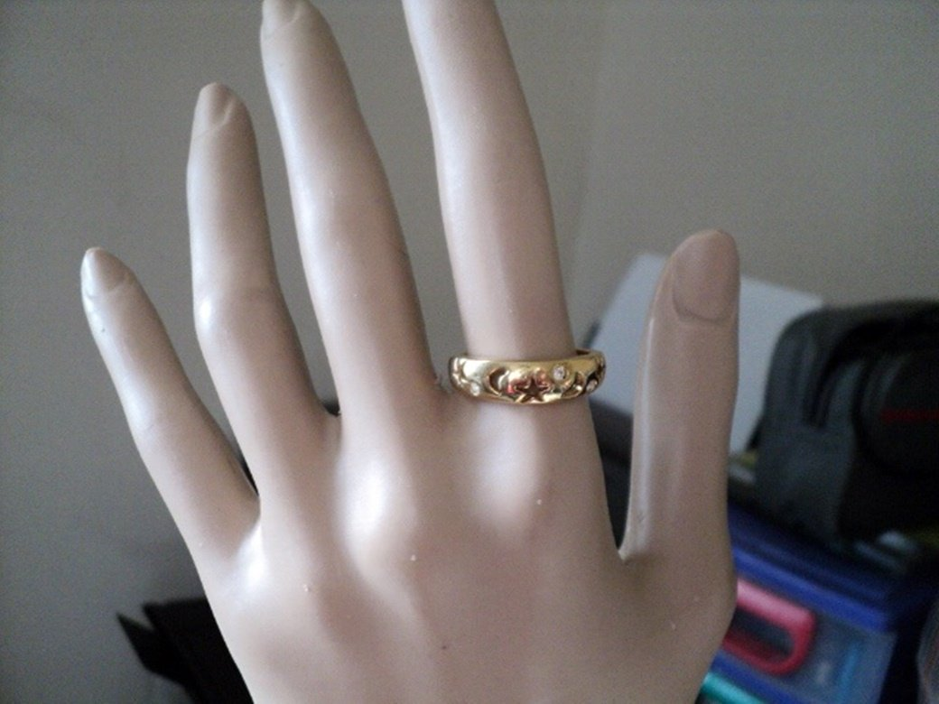 Gold Tone Band Ring Cut Out Moon and Stars Three Rhinestones    #00184