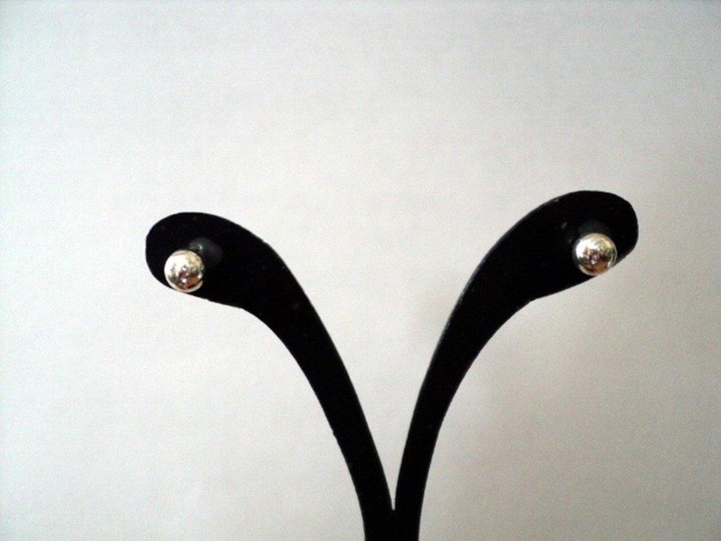 Silver Hypo Allergenic Ball Stud Earrings  #00211