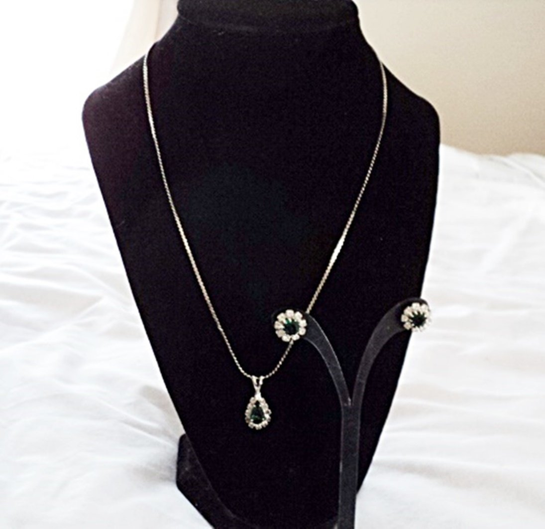Silver Tone and Emerald Green Stones Necklace and Earrings #00205