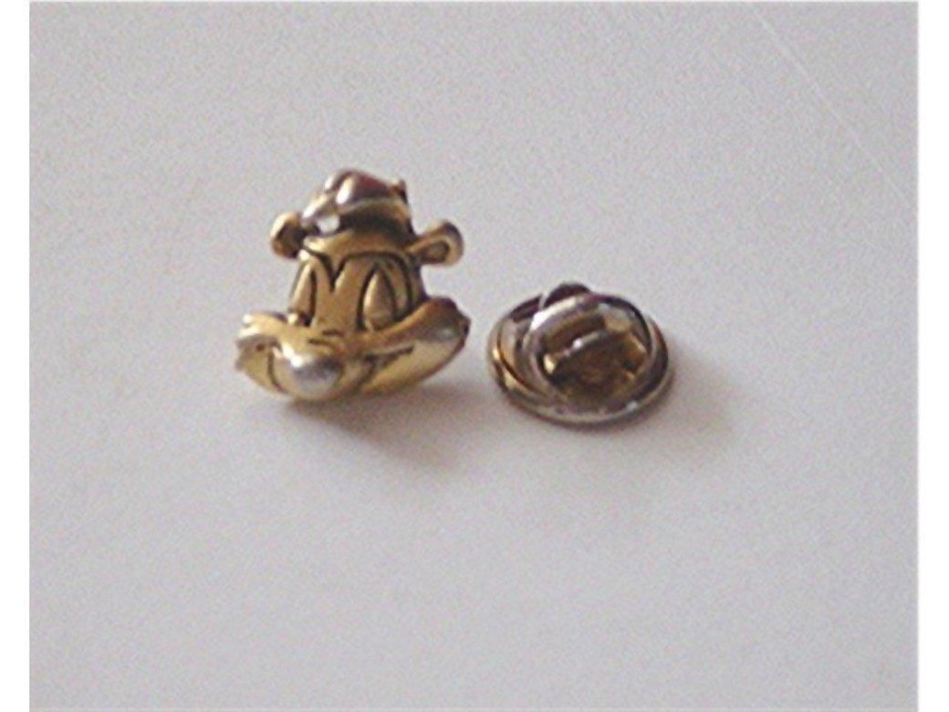 Gold Tone 1992 Warner Bros Pepe LePew Head Pin #00182