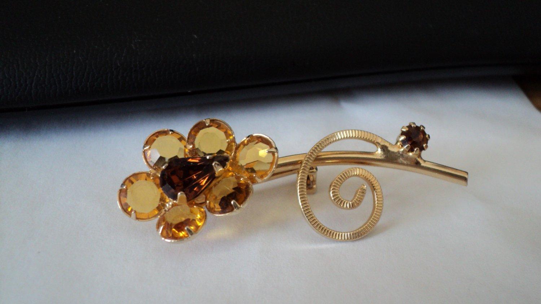 Vintage Gold Tone Light and Dark Amber Beads Flower Brooch #00031