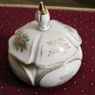 Old Vintage White Porcelain Lidded Vanity Trinket Box #00118
