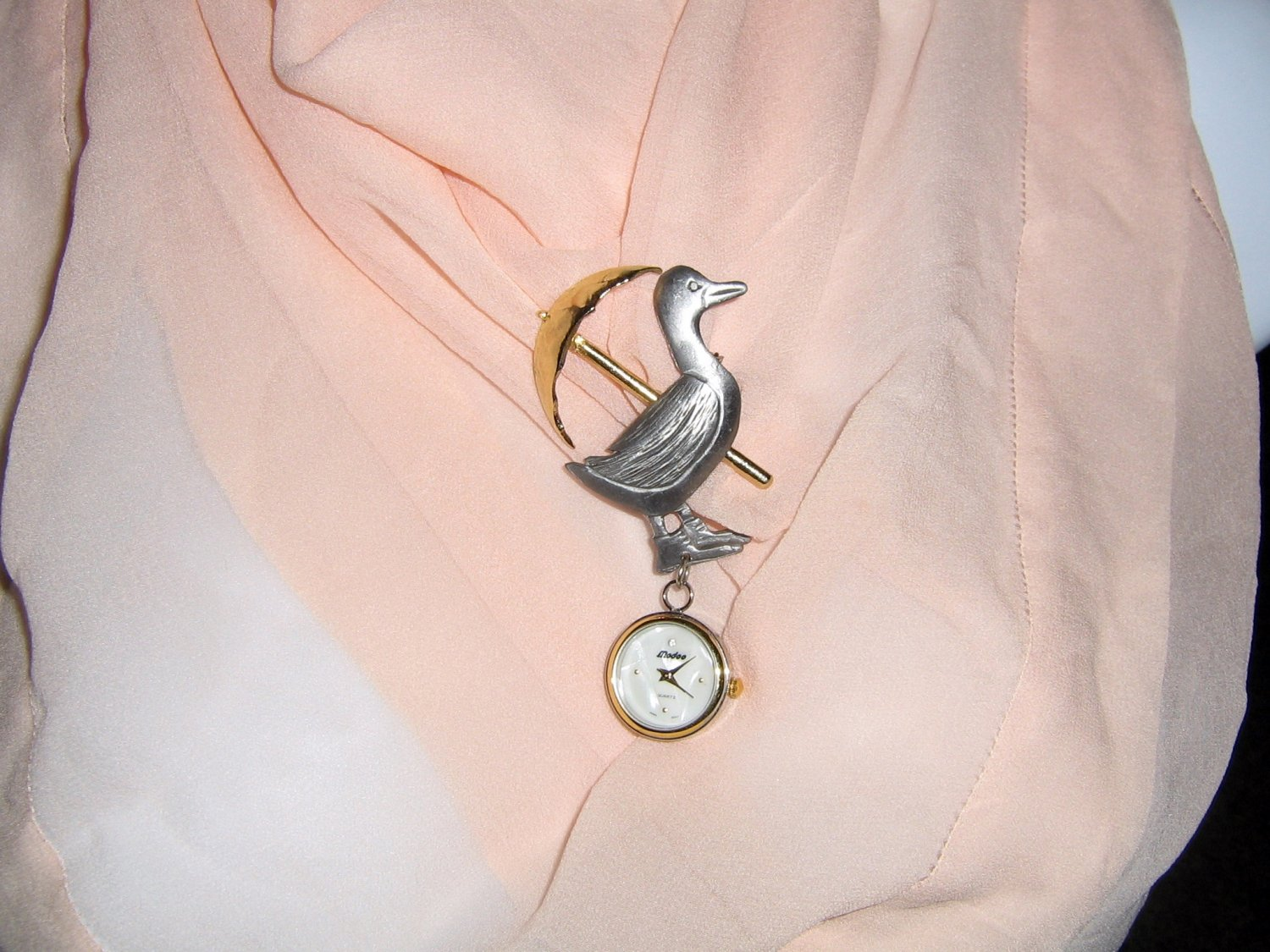 Ultra Craft Pewter and Gold Tone Rainy Day Duck Brooch with Modoo Watch #00240