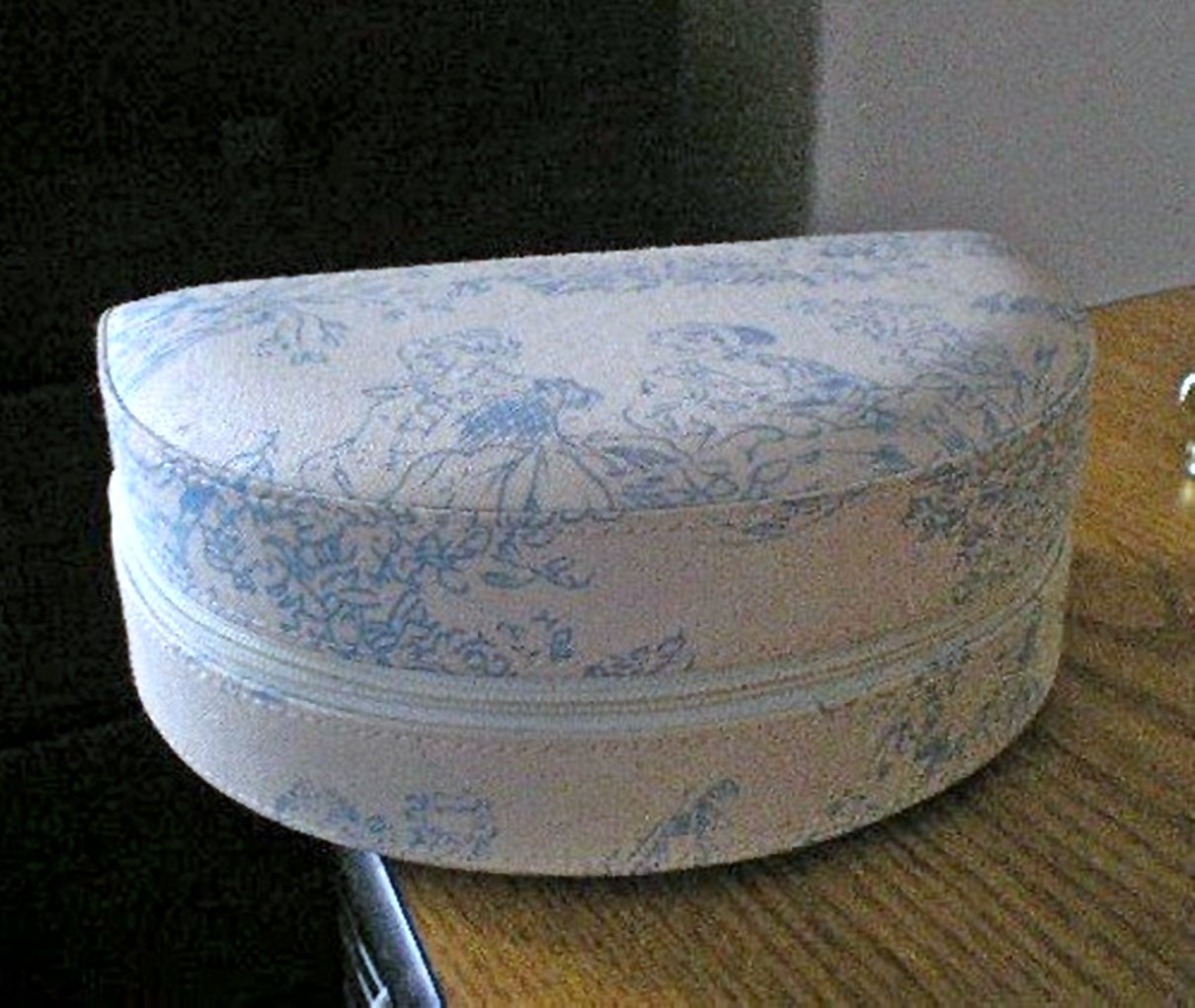 Blue and White Toile Fabric Dulwich Designs Foldable Jewelry Box #00101