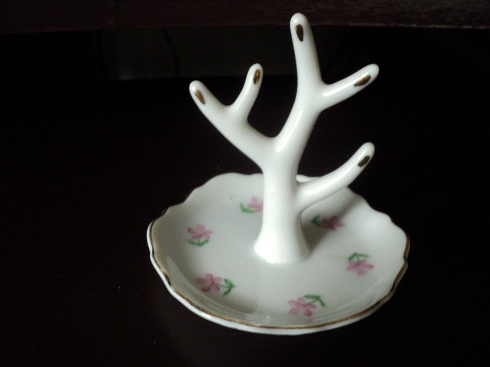 Vintage Irice Porcelain Tree Ring Holder and Tray #00249