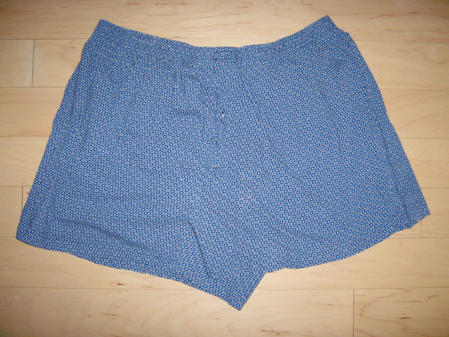 Men's Volley Shorts Grey w Navy Diamond Pattern XL