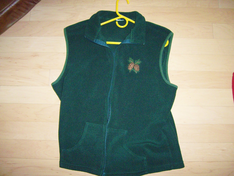 Vest Green w Acorn Design BNK139