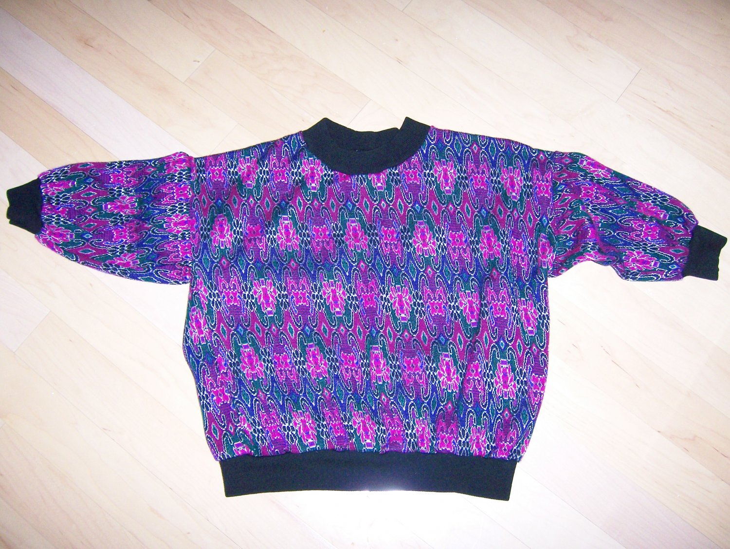 Misses Sweater Size 36 3/4 Sleeves BNK162