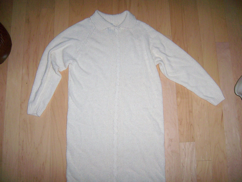 Ladies Knit Dress Size 10 Long Sleeves BNK181