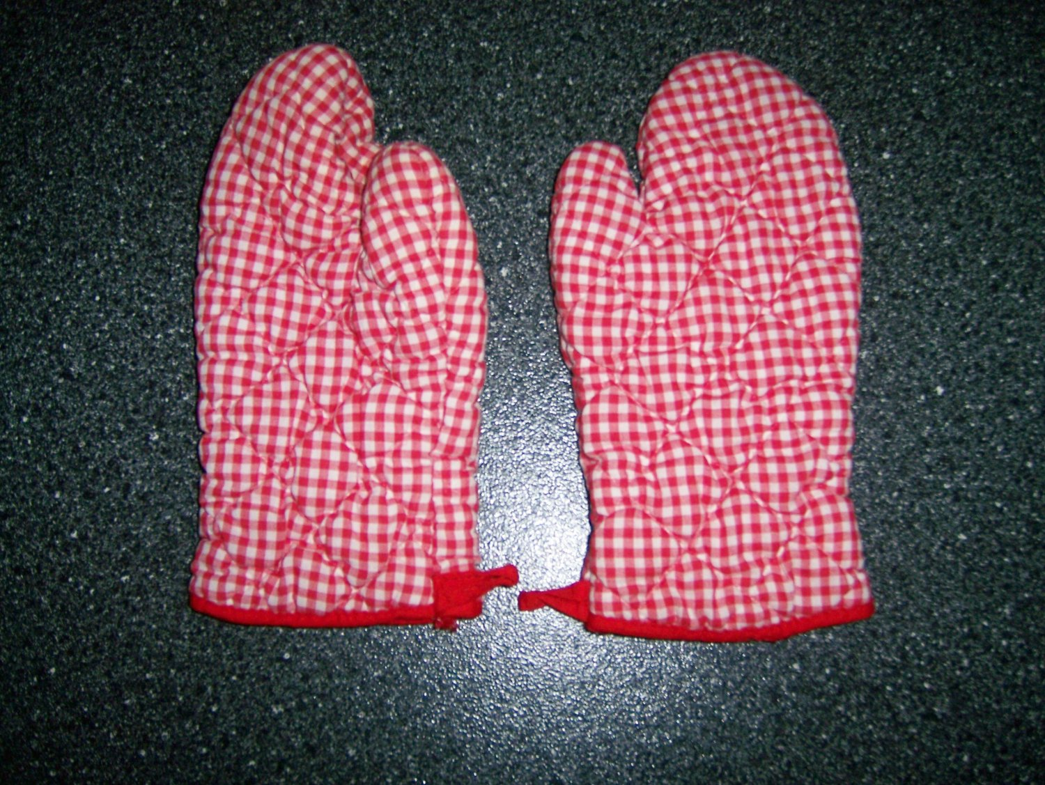 Pair Two Pot Holder Mitts Size 7-8 BNK201