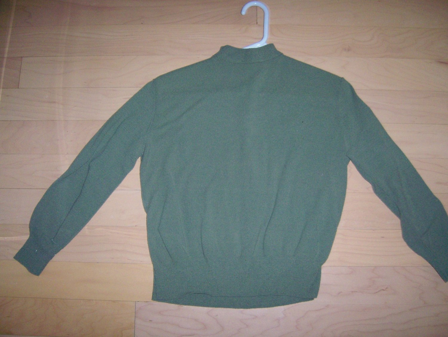 Ladies/misses Green Long Sleeve Sweater Size 36 BNK284
