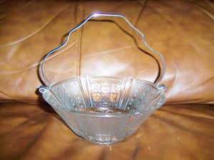 Glass Decorated Serving Dish 7x3 w Silver Handle BNK509
