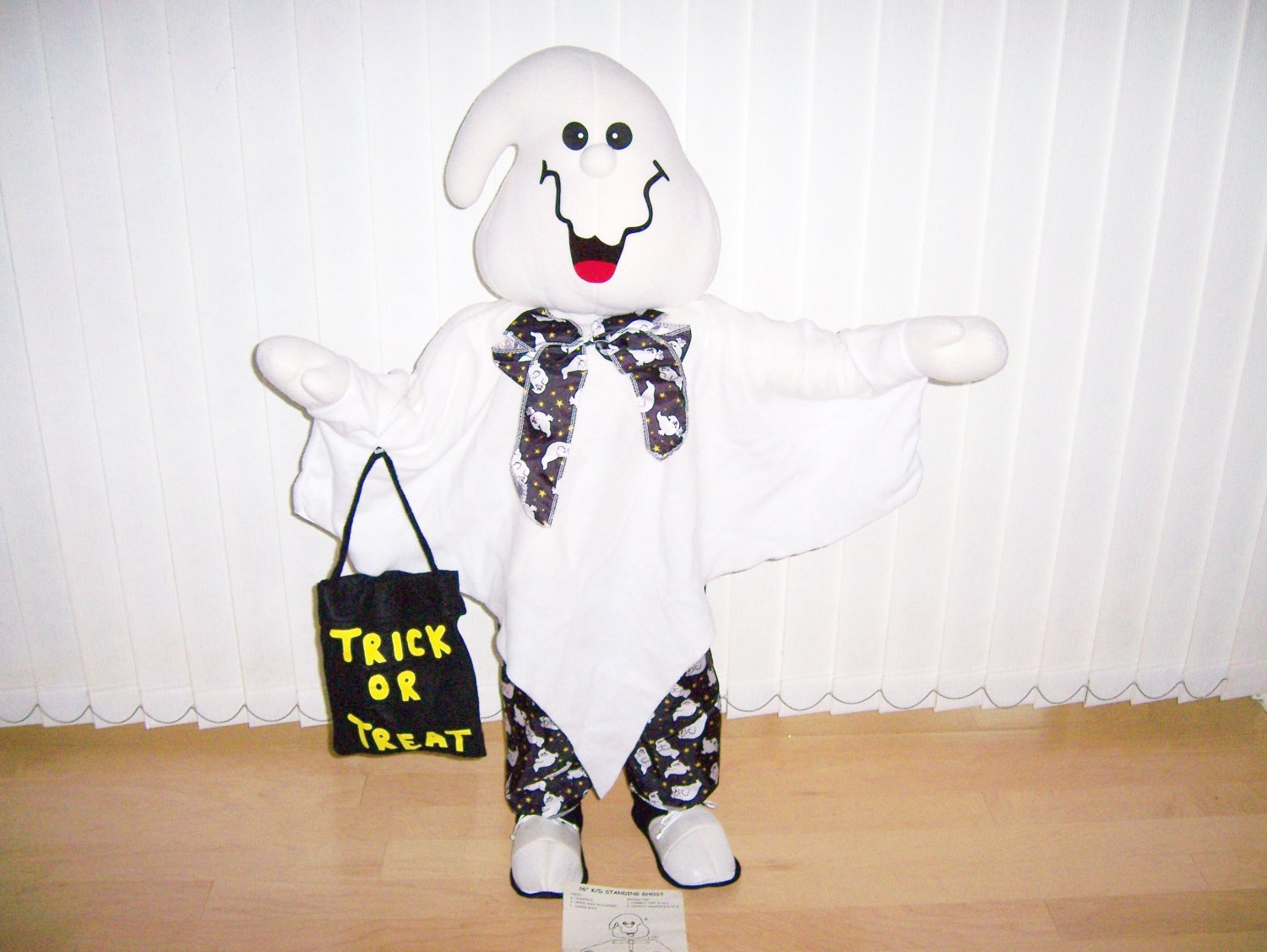 Three Foot Happy Ghost Greeter Exculsively Dressed BNK578