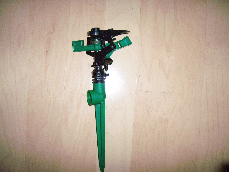 One Zone Sprinkler To Attach To Hose BNK680