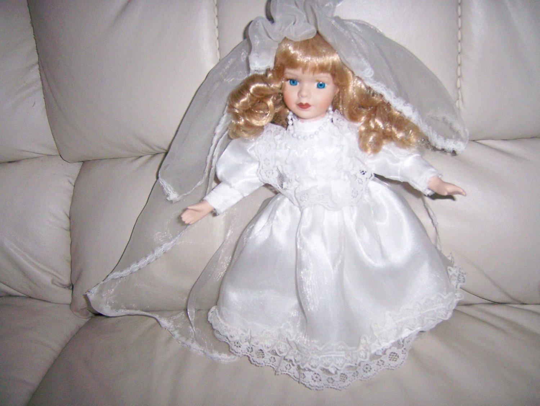 """Sharon Blond Bride 15""""  Doll  BNK847"""