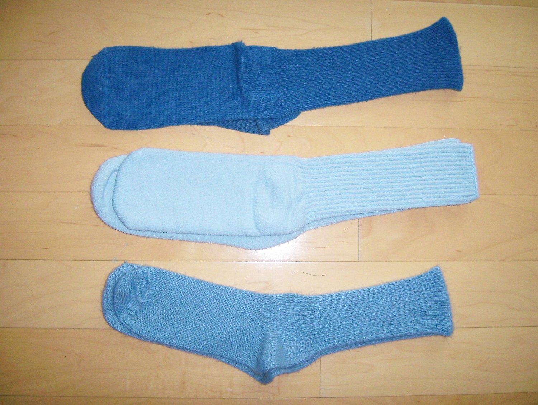 Men's Socks Cotton 10-13  Three Pair Dk Blue-Med Blue-Lt Blue  BNK1043
