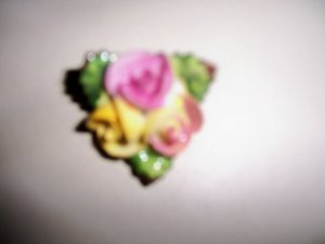 Fine China Three  Roses  Pin  BNK1979