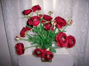 American Beauty Long Stem  Red Roses In Clear Vase BNK2421