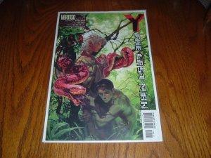 Y: The Last Man #25 - Very Fine+ FIRST PRINT (DC/Vertigo Comics) Brian K. Vaughan comic for sale