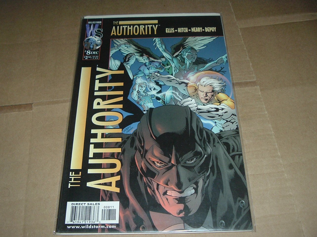 Authority #8 (vol 1) Warren Ellis, Bryan Hitch (DC Wildstorm Comics 1999) FLAT RATE SHIPPING SPECIAL