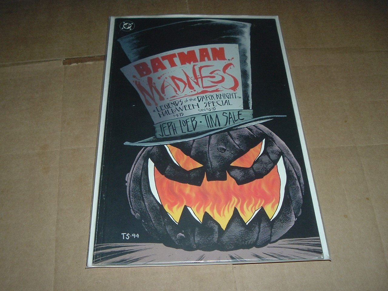 BATMAN: MADNESS Graphic Novel (DC Jeph Loeb 1994) Prestige Format Dark Knight Halloween Special GN