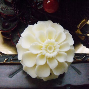 Buy Vintage  New Fashion Jewelry Flower Bone Carving Necklace Ivory Bone carving Accessories,Christ