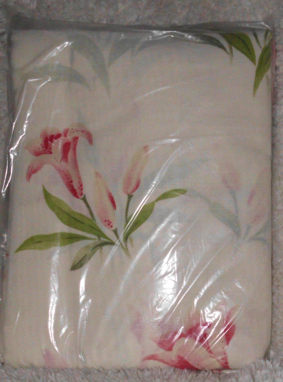 "New Rod Pocket Curtains Lilies 84 x 84"""