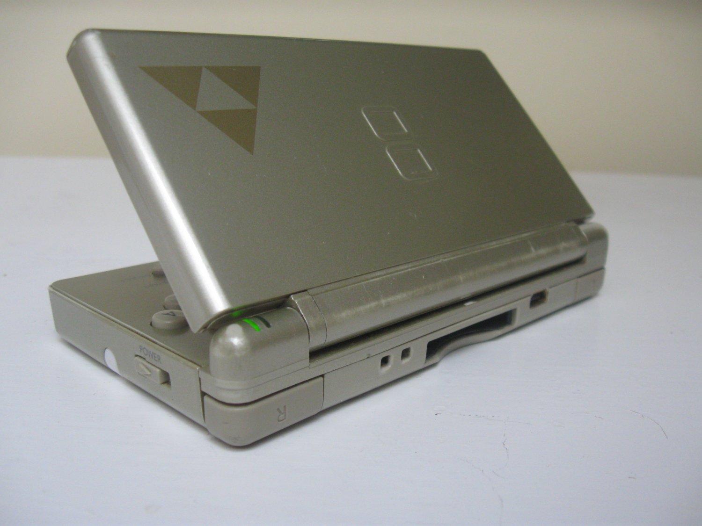 Nintendo DS Lite Zelda Triforce Gold Edition