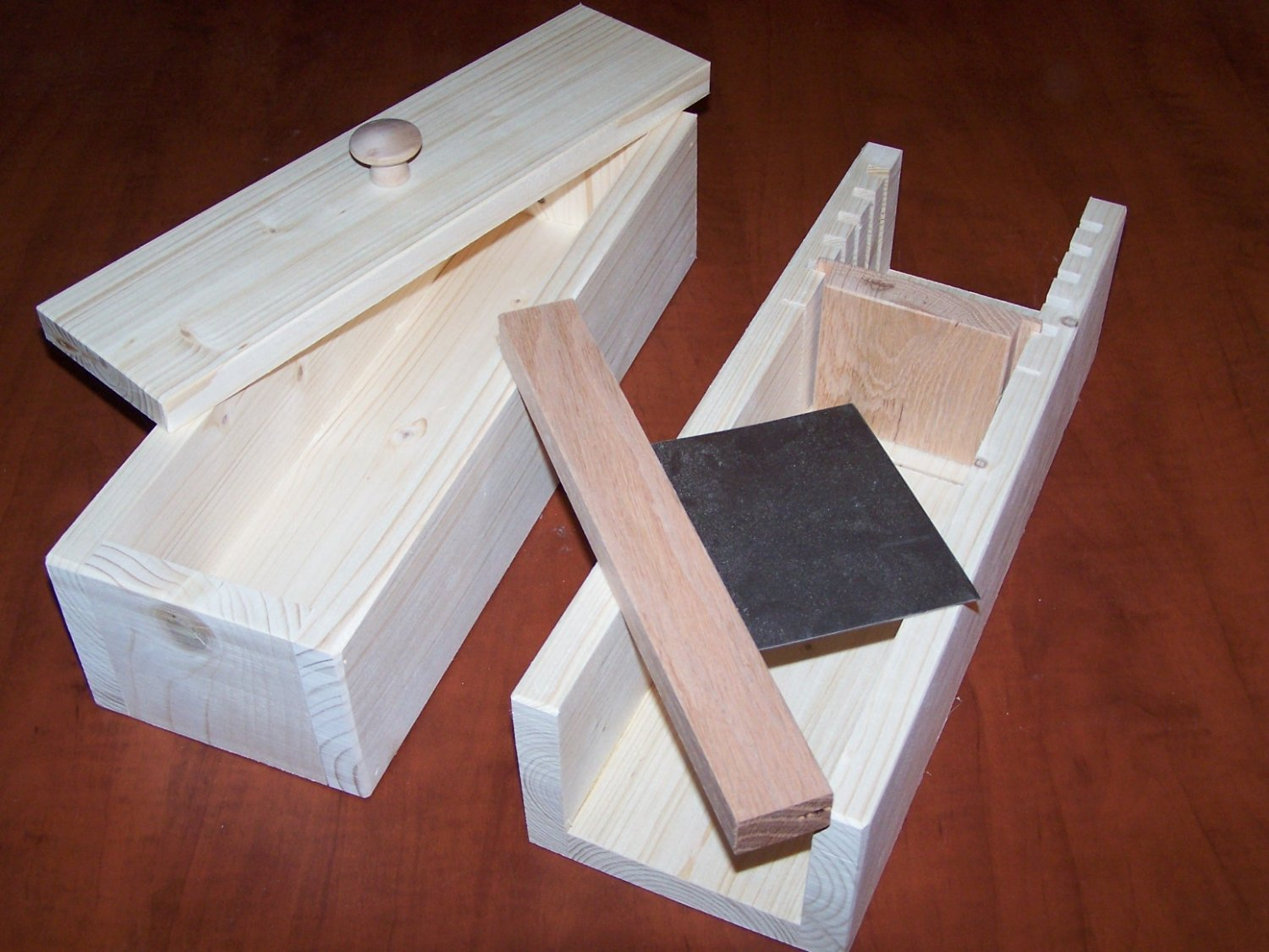 WOODEN SOAP MOLD TO MAKE 4-5 LB LOAF / CUTTER SLICER