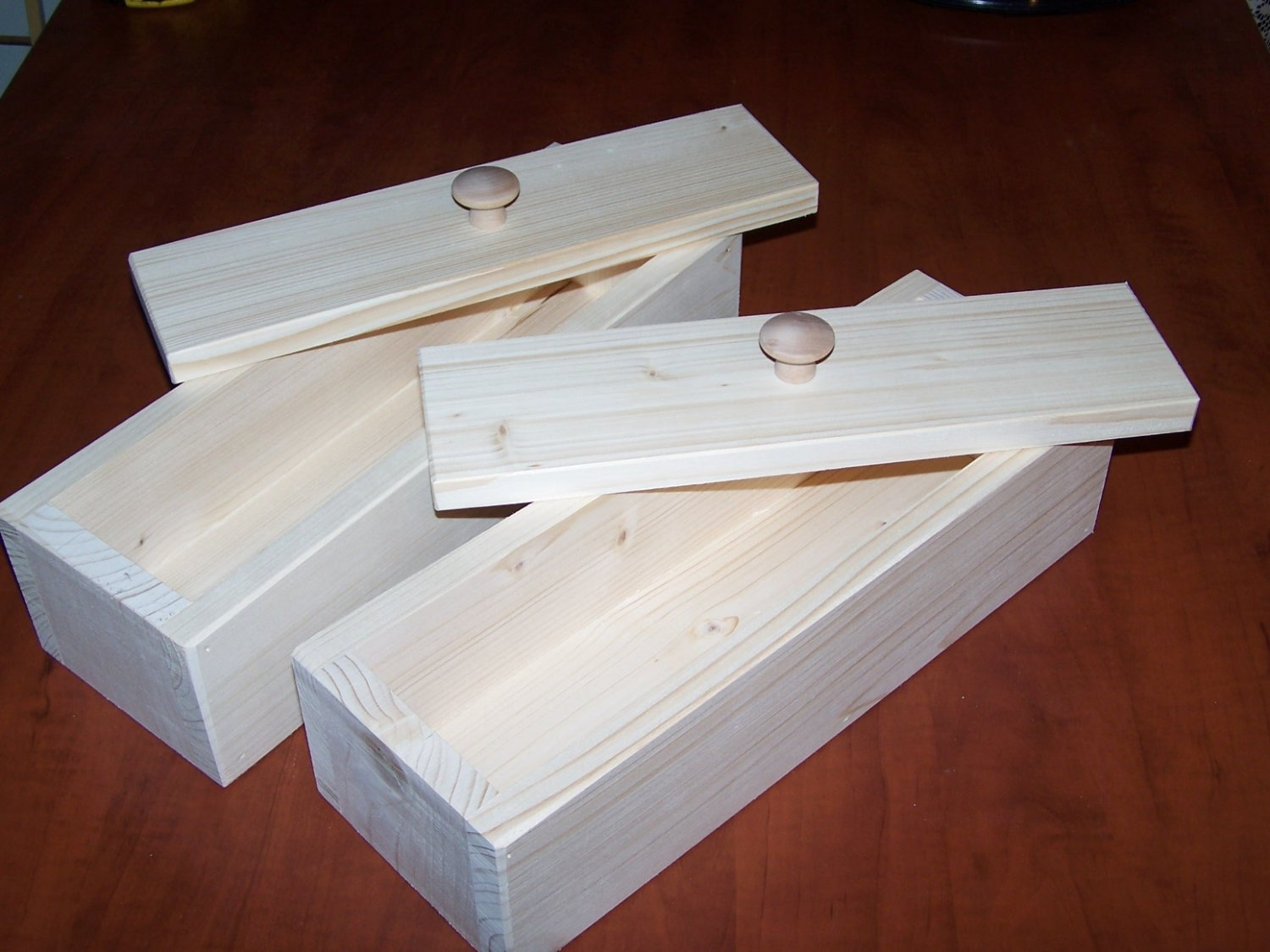 A LOT OF 2 WOOD WOODEN SOAP MOLD TO MAKE 4-5 LB LOAF