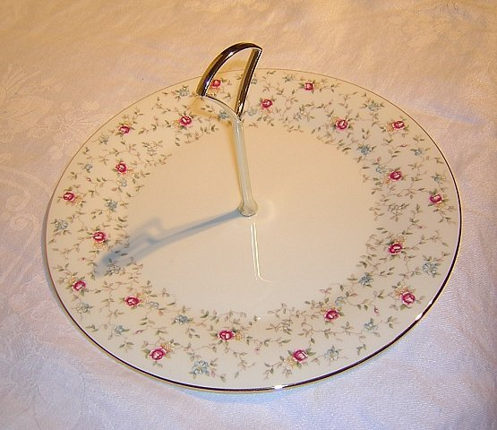 Bone china tea sandwich cake serving plate center handle hc1042