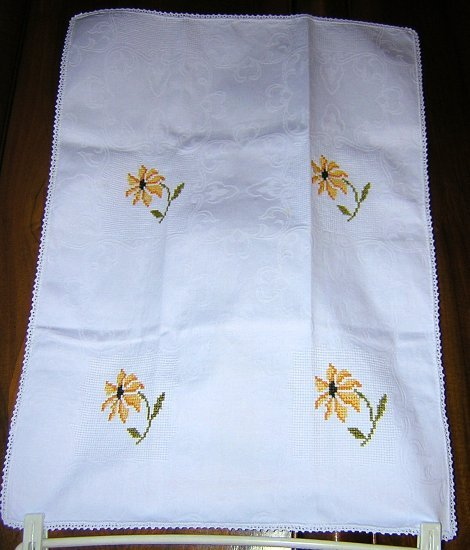 Petit-point cotton damask towel crocheted edge vintage linens hc1047