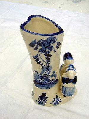 Delft blue Dutch girl boy heart shaped bud vase EH numbered hc1082