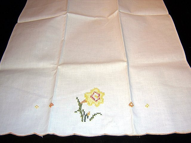 Cotton guest towel cross-stitch embroidery unused vintage linens hc1120