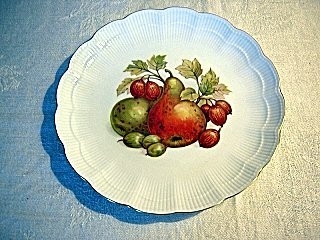 Pair AK Alka Kunst plates Kaiser West Germany fruit nuts hc1286
