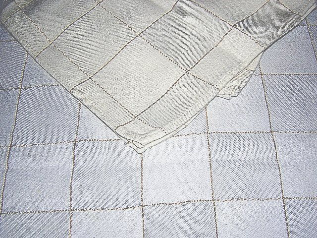 White windowpane check tablecloth 4 napkins lurex thread vintage linens hc1303