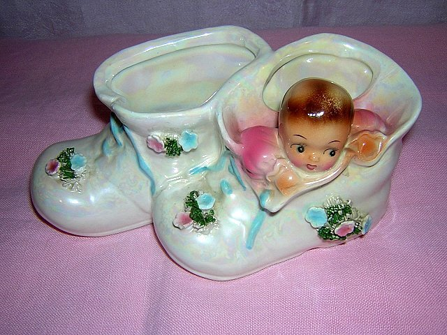 Lusterware baby shoes nursery planter spaghetti trim Art Deco vintage hc1308