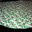 Round Christmas tablecloth white all over holly vintage linens hc1449