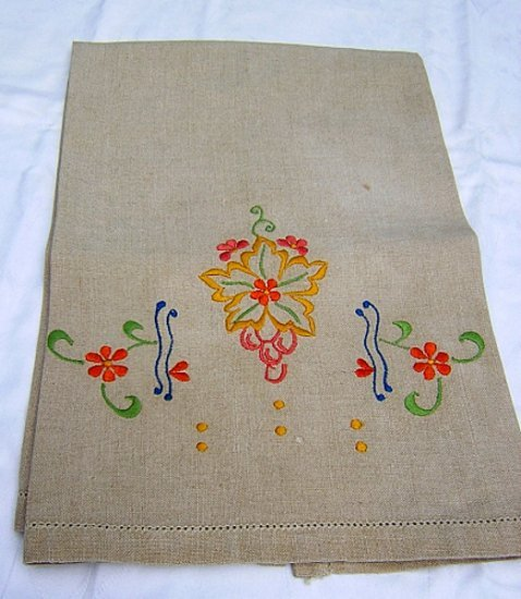 Vintage embroidered natural linen hand guest towel hc1484