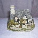 David Winter miniature Hogs Head Beer House 1985 UK hc1502