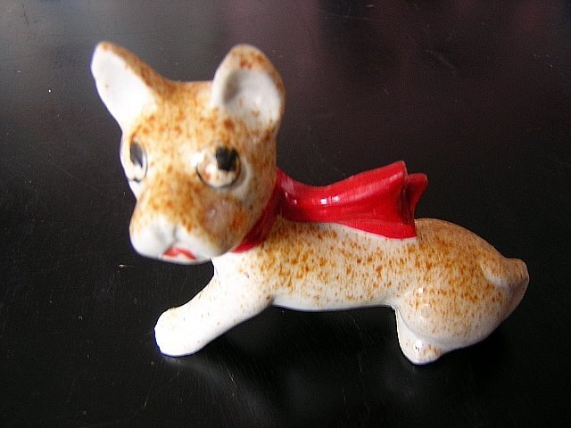 Ceramic dog figurine Japan cold paint red bow vintage hc1526