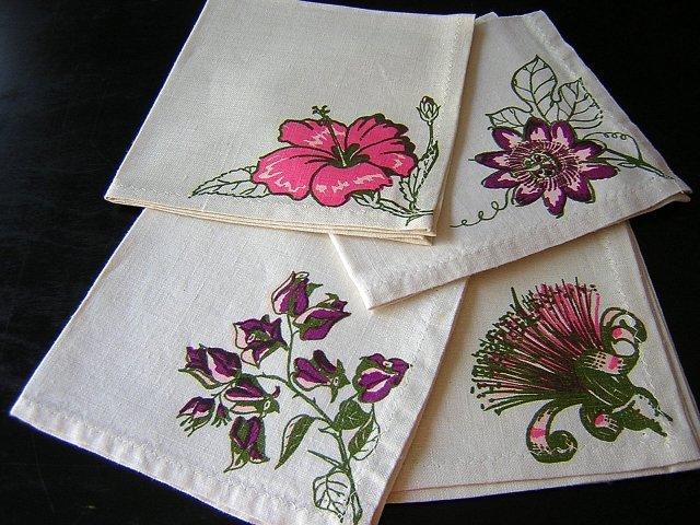 4 Hand painted linen napkins floral motifs vintage linens hc1628
