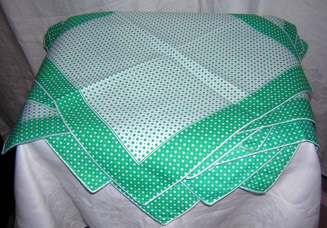 12 Star-studded cotton napkins unused green white vintage linens hc1716