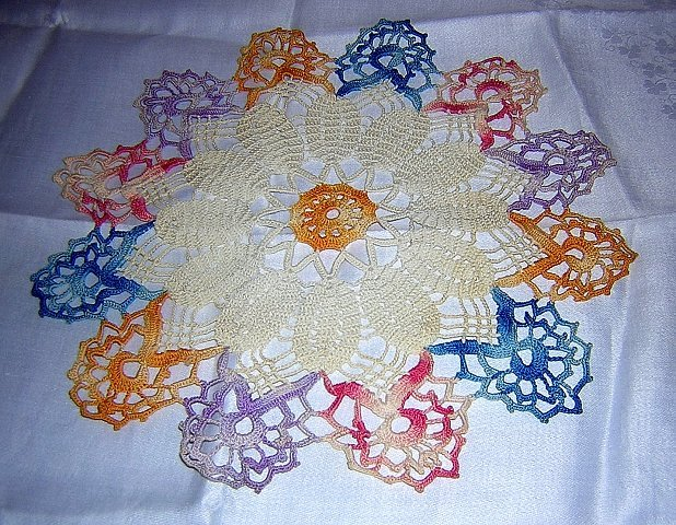 Vintage hand-crocheted doily varigated thread hc1733